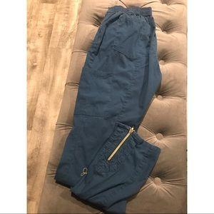 Jaanuu Moto scrub pants small